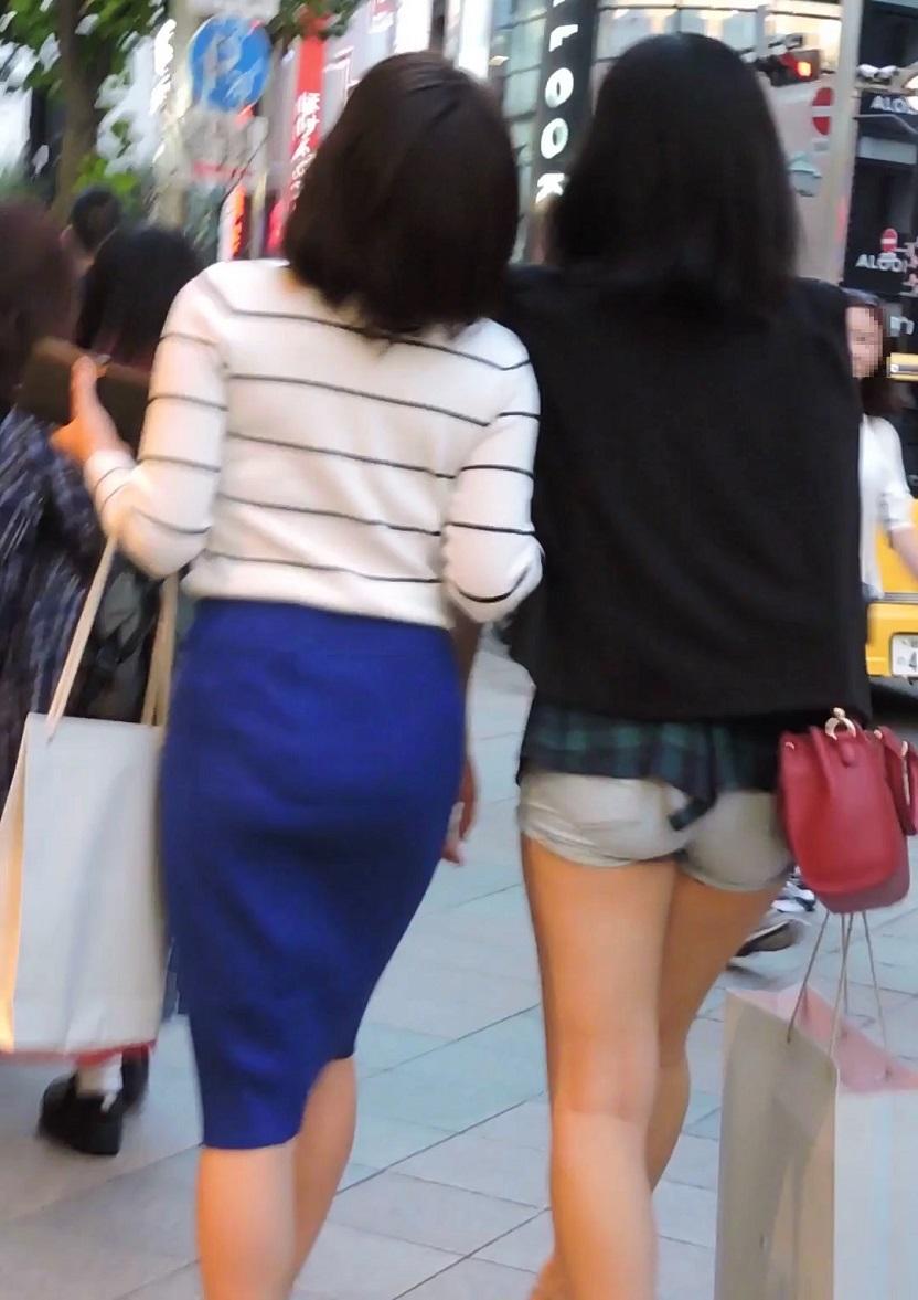 エロ尻ショートパンツ青色スカートお姉さん2人組【動画】街撮り編 1008